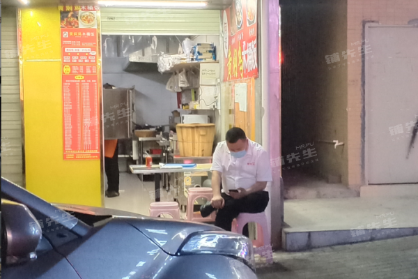 龙岗坂田餐饮店转让 周边工业住宅区人流大 地段繁华